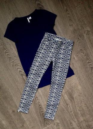 Эластичные джинсы- скинни zara. xs.