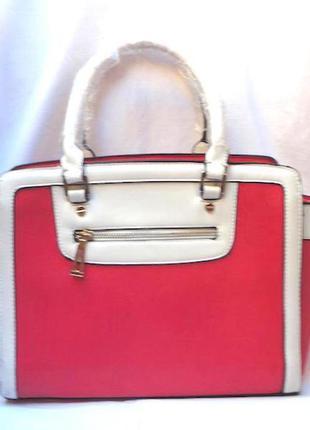Красно белая сумка ,удобная,очень практичная