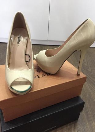 Туфли centro с открытым носком на высоком каблуке