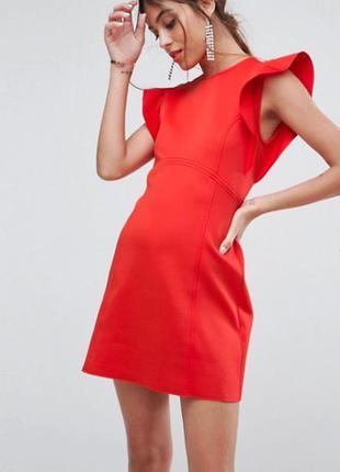 Приталенное платье мини с оборками asos
