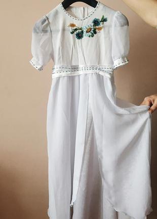 Платье вышитое, белое