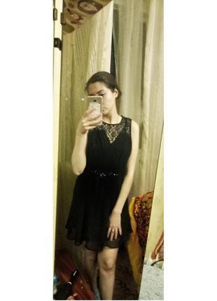 Вечернее платье с кружевом и открытой спиной