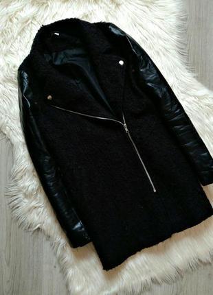Пальто косушное с кожаными рукавами