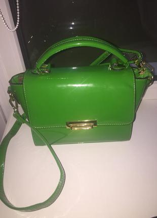 Красивейшая лаковая сумочка
