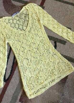 Желтый свитер stradivarius