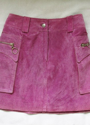 Розовая юбка из натуральной замши.