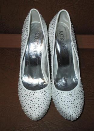 Белоснежные туфельки
