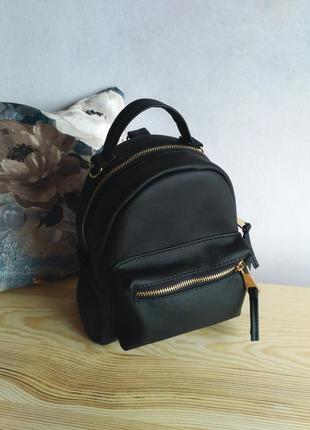 Маленький стильный рюкзак)
