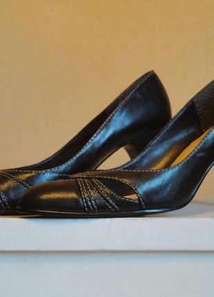 Классические  кожаные туфли new look