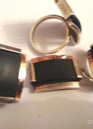 Серебряный комплект со вставками золота и каучука