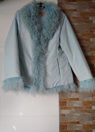 Красивая курточка с мехом, куртка.