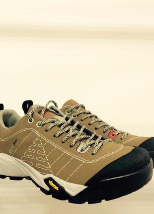 Шкіряні кросівки berg р-37