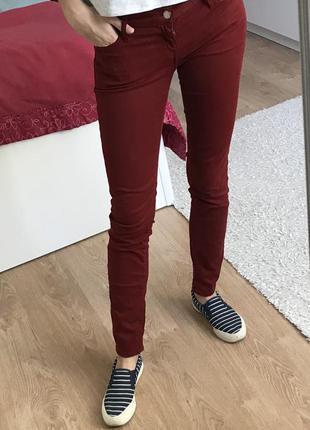 Бордовые джинсы colin's