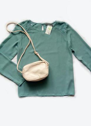Мятная (бирюзовая) блуза с кружевом