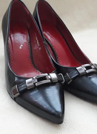 Туфли черные лакированная кожа