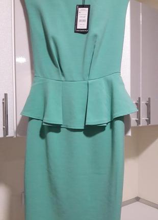 Мятное пастельное платье с баской миди