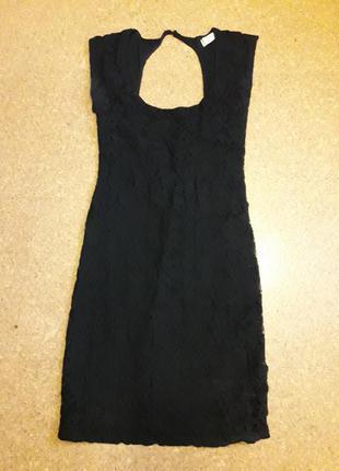 Кружевное платье с открытой спинкой!