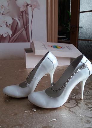 Свадебные. нарядные туфли