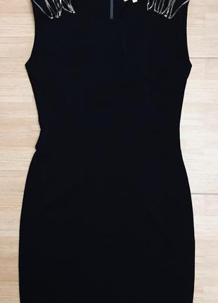 Черное обтягивающие платье