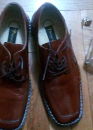 Туфлі шкіряні, нові,