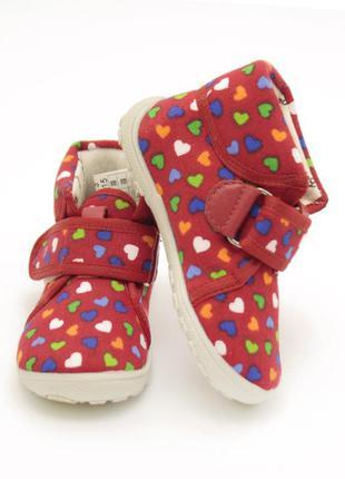 Яркие текстильные ботиночки для малышей