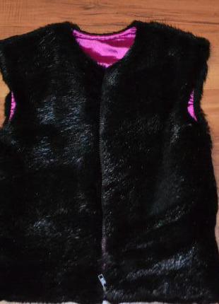 Натуральная меховая жилетка из  стриженой нутрии р.128 -134см