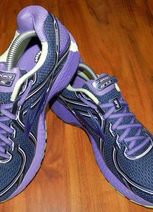 Шикарные, стильные, яркие беговые кроссовки brooks adrenaline в идеальном состоянии