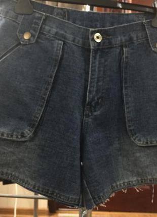 Итальянские джинсовые шорты 27р