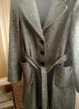 Продам пальто размер м l