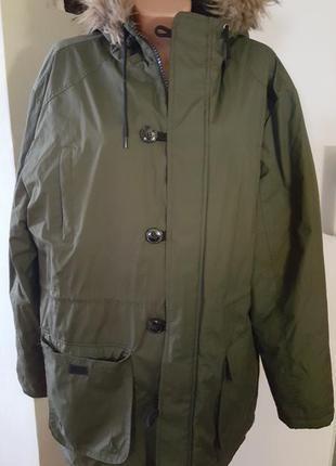 Куртка  пог-74см длина 85см  плечи 58см длина рукава 67см