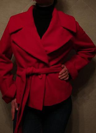 Красное кашемировое пальто season