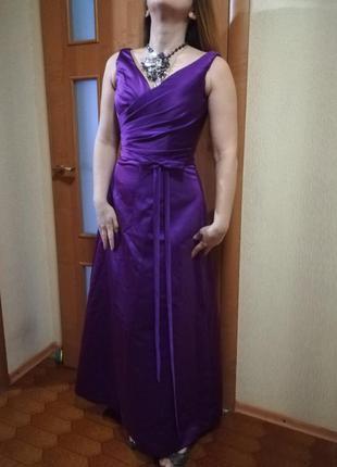 Длинное нарядное платье на подкладке