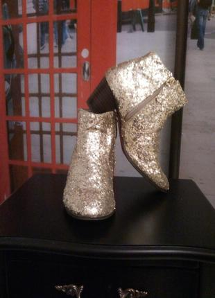 Ботильоны, ботинки средний каблук, блёстки золотые