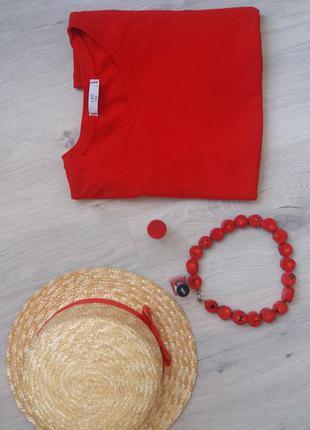 Соломенная шляпа канотье насыщенно красная лента