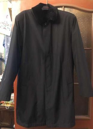 Классическое пальто с меховым воротом