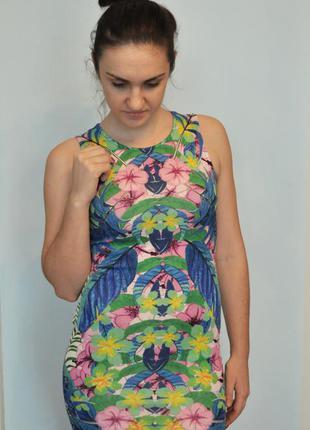 Шикарное платье от miss selfridge
