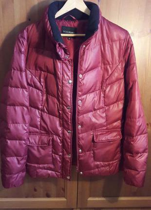 Куртка бордового цвета с лёгким блеском bonprix