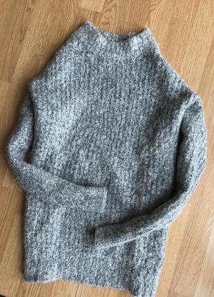 Серый свитер шерстяной atmosphere