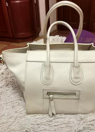 Красивая бежевая сумка celine кожа1 фото
