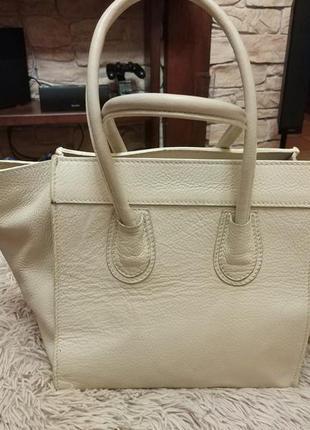 Красивая бежевая сумка celine кожа3 фото