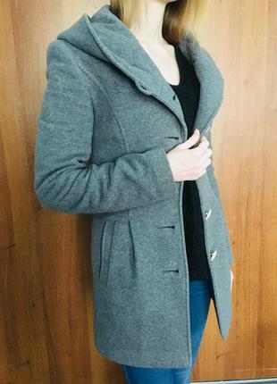 Шерстяное пальто на весну