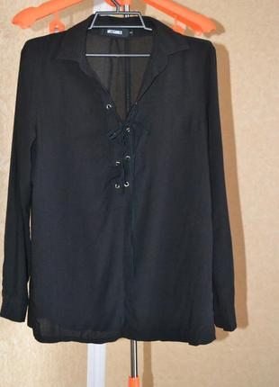 Блуза шнуровка на вырезе