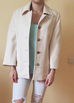 Шерстяное пальто кашемир молочного цвета