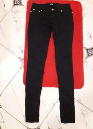 Джинсы черные revolt jeans
