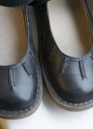 Поделиться:  туфли (сандали макасины) dr. martens