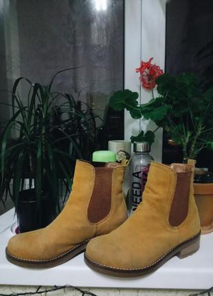 Ботинки челси sinsay