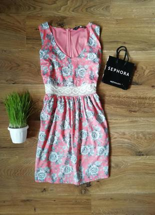Красивое платье размер m-l