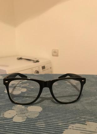 Очки для компьютера с антибликовыми стеклами