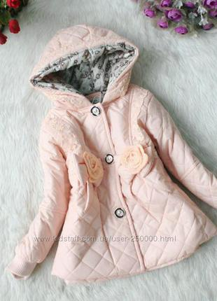 Демисезонная красивая куртка для девочки