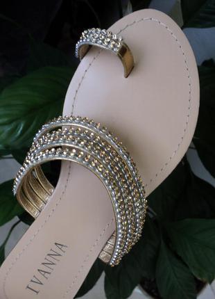 Новые босоножки шлепанцы камнями золотистые золотые вьетнамки тапочки стразами слайдеры
